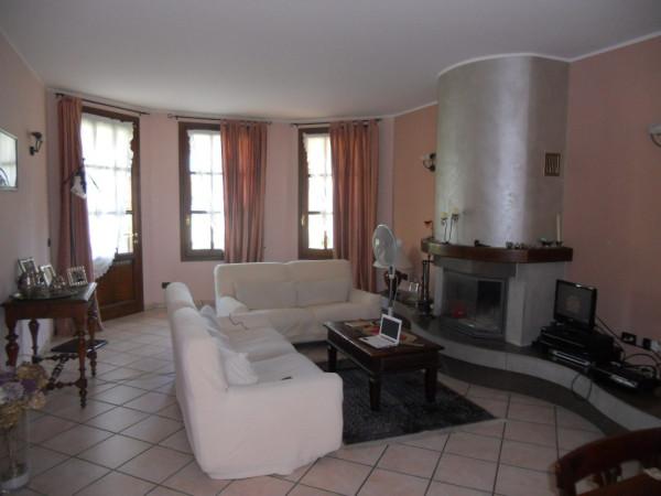 Villa in vendita a Gualtieri, 5 locali, Trattative riservate | Cambio Casa.it