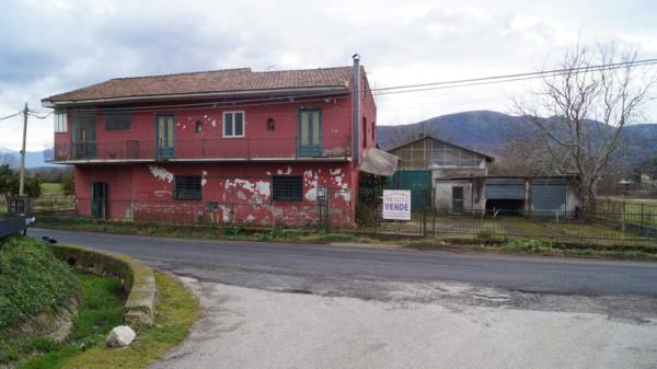 Rustico / Casale in vendita a Caiazzo, 6 locali, prezzo € 275.000 | Cambio Casa.it