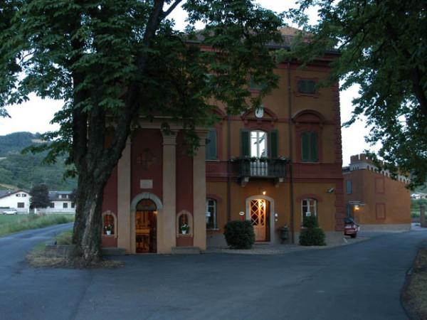 Albergo in vendita a Volpedo, 6 locali, prezzo € 260.000 | Cambio Casa.it