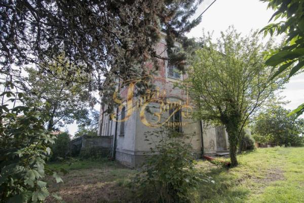 Villa in Vendita a Agazzano Centro: 5 locali, 454 mq