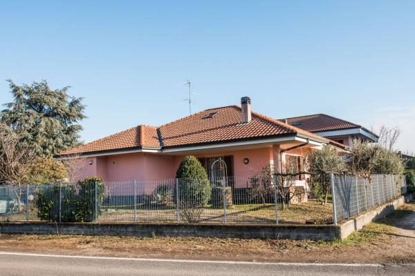 Villa in vendita a Nerviano, 4 locali, prezzo € 420.000 | Cambio Casa.it