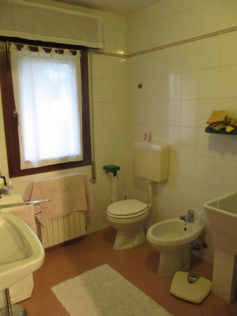 Villa in vendita a Chioggia, 6 locali, prezzo € 260.000 | Cambio Casa.it