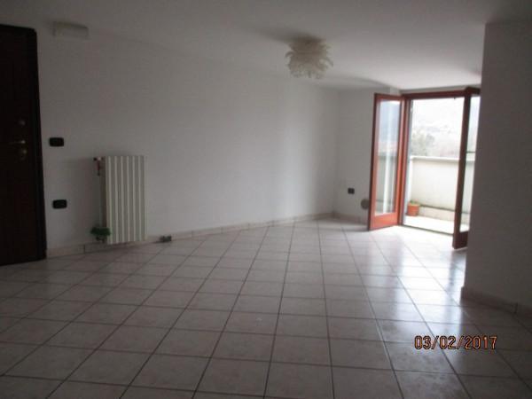 Attico / Mansarda in affitto a Mercato San Severino, 3 locali, prezzo € 300 | Cambio Casa.it