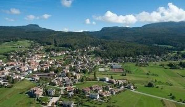 Terreno commerciale in Vendita a Cavareno: 3348 mq