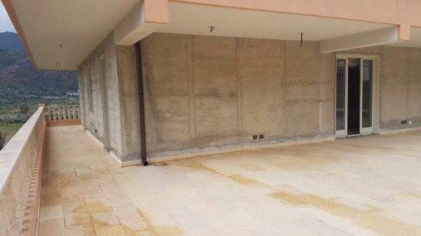 Appartamento in vendita a Savoca, 3 locali, prezzo € 140.000 | Cambio Casa.it