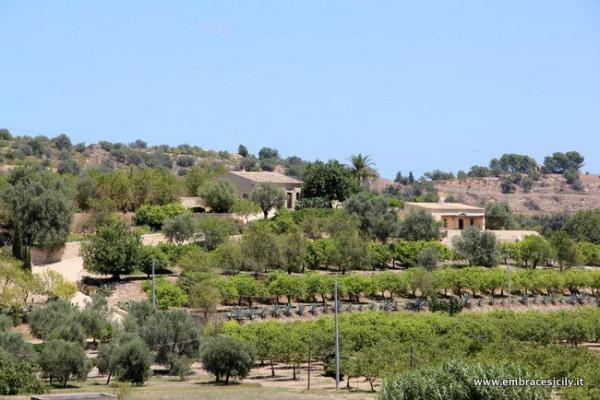 Villa in vendita a Noto, 6 locali, prezzo € 900.000 | CambioCasa.it