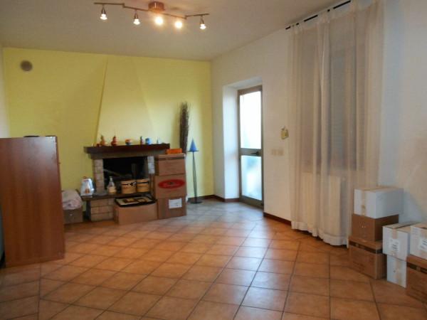 Soluzione Indipendente in affitto a Pescia, 5 locali, prezzo € 550 | Cambio Casa.it