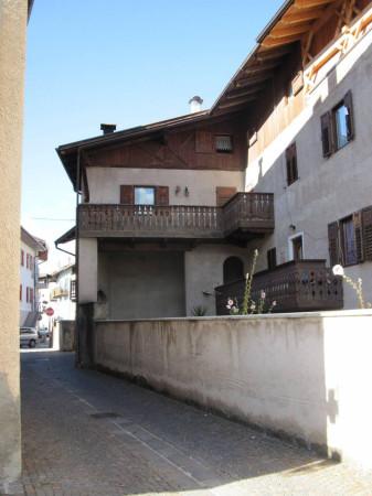Appartamento in Vendita a Romeno Centro: 5 locali, 140 mq
