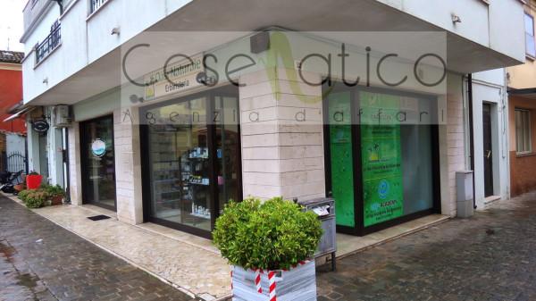 Attività / Licenza in vendita a Cesenatico, 2 locali, Trattative riservate | Cambio Casa.it