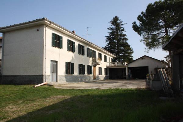 Rustico / Casale in vendita a Calosso, 6 locali, Trattative riservate | Cambio Casa.it
