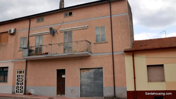 Soluzione Indipendente in vendita a Oschiri, 5 locali, prezzo € 80.000 | Cambio Casa.it