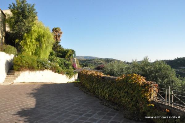 Villa in vendita a Noto, 6 locali, prezzo € 700.000 | Cambio Casa.it