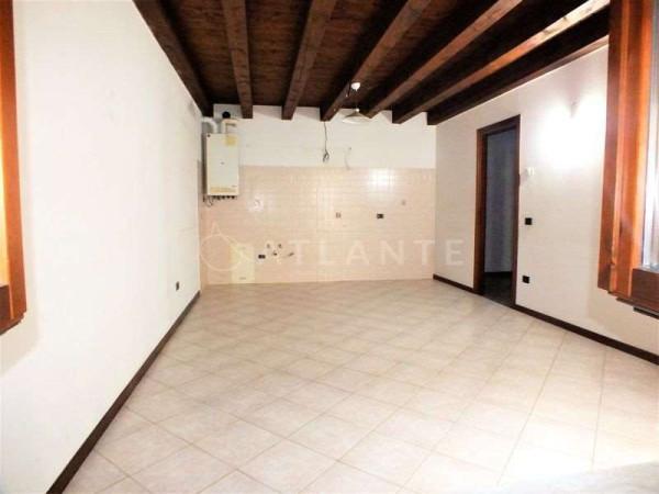 Appartamento in affitto a Roverbella, 3 locali, prezzo € 350   Cambio Casa.it