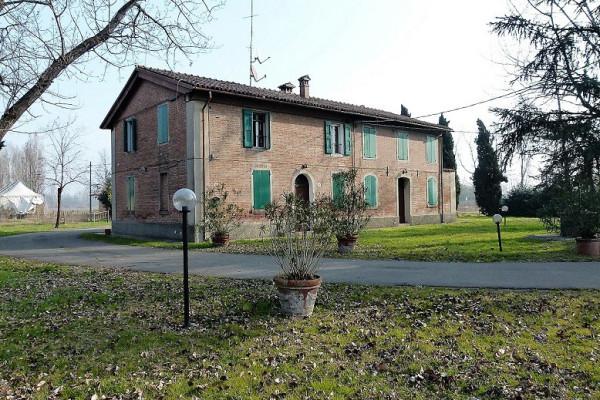 Rustico / Casale in affitto a Ozzano dell'Emilia, 6 locali, prezzo € 3.300 | Cambio Casa.it