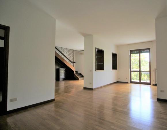 Appartamento in affitto a Milano, 5 locali, zona Zona: 16 . Bonola, Molino Dorino, Lampugnano, Trenno, Gallaratese, prezzo € 3.210 | Cambio Casa.it