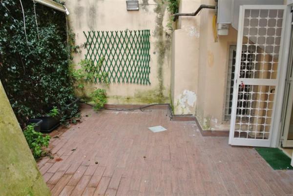 Bilocale Napoli Via Tasso 10