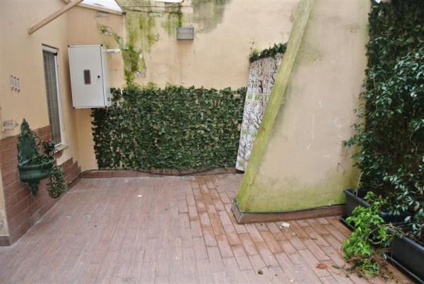 Bilocale Napoli Via Tasso 11