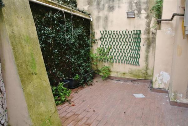 Bilocale Napoli Via Tasso 12