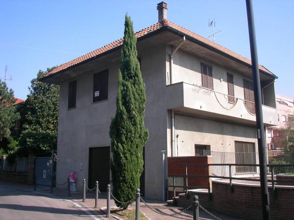 Appartamento in vendita a Varedo, 3 locali, prezzo € 135.000 | Cambio Casa.it