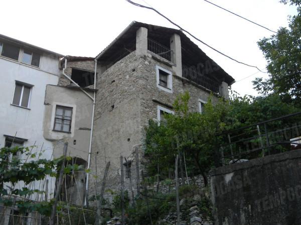 Appartamento in vendita a Erli, 5 locali, prezzo € 110.000 | Cambio Casa.it