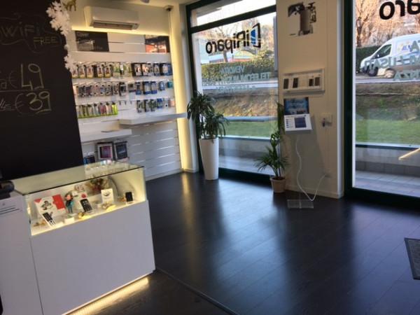 Negozio / Locale in vendita a Villa Guardia, 2 locali, prezzo € 160.000 | CambioCasa.it