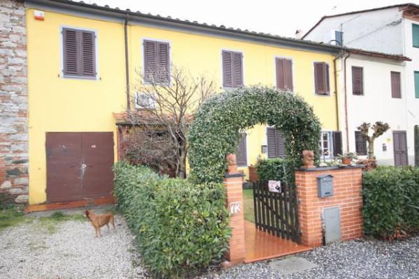 Casa indipendente in Vendita a Capannori Periferia Est: 5 locali, 90 mq