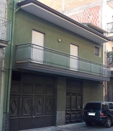 Palazzo / Stabile in vendita a Paternò, 5 locali, prezzo € 179.000 | CambioCasa.it
