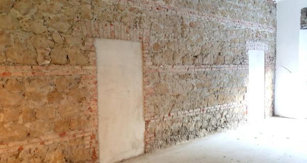 Negozio / Locale in affitto a Latina, 2 locali, prezzo € 1.000 | CambioCasa.it