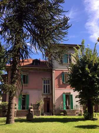 Villa in vendita a Malnate, 6 locali, prezzo € 690.000 | Cambio Casa.it