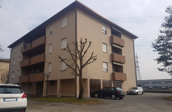 Appartamento in vendita a Novedrate, 3 locali, prezzo € 120.000 | CambioCasa.it