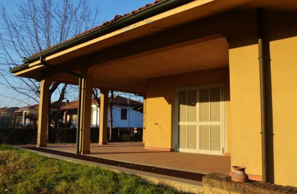 Villa in vendita a San Colombano al Lambro, 6 locali, prezzo € 580.000 | Cambio Casa.it