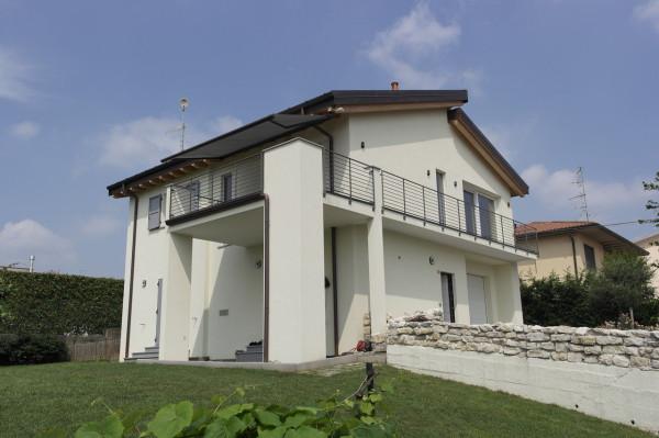 Villa in vendita a Morazzone, 3 locali, prezzo € 415.000 | Cambio Casa.it