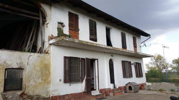 Rustico / Casale in vendita a Crescentino, 6 locali, prezzo € 69.000 | Cambio Casa.it