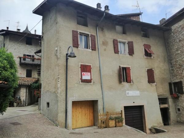 Soluzione Indipendente in vendita a Vezzano, 6 locali, prezzo € 175.000 | CambioCasa.it