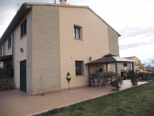 Villa a Schiera in Vendita a Trevi