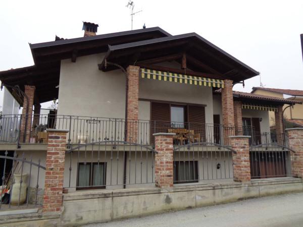 Villa in vendita a Pocapaglia, 6 locali, prezzo € 450.000 | CambioCasa.it