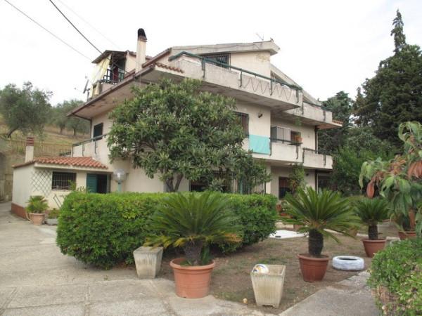Villa in vendita a Laureana Cilento, 6 locali, prezzo € 350.000 | Cambio Casa.it