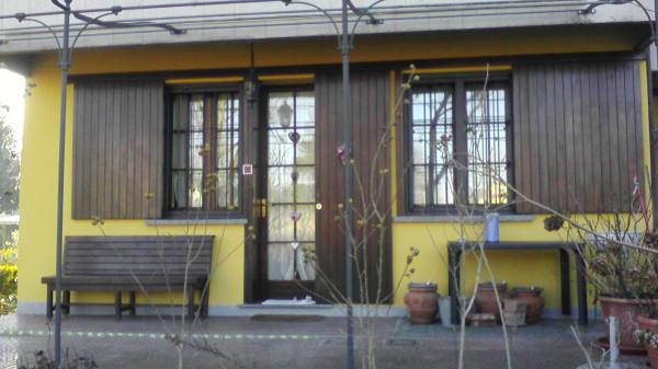 Villa in vendita a San Colombano al Lambro, 5 locali, prezzo € 230.000 | Cambio Casa.it