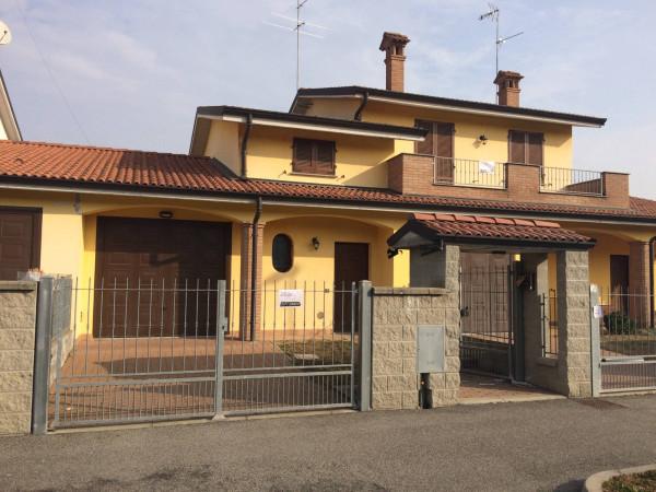 Villa in Vendita a Chignolo Po