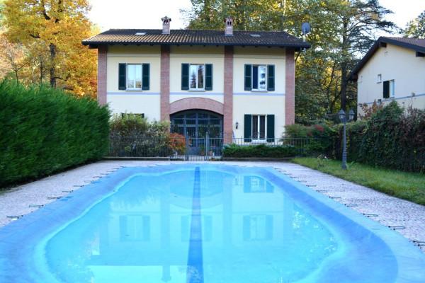 Villa in Vendita a Carate Brianza: 5 locali, 400 mq