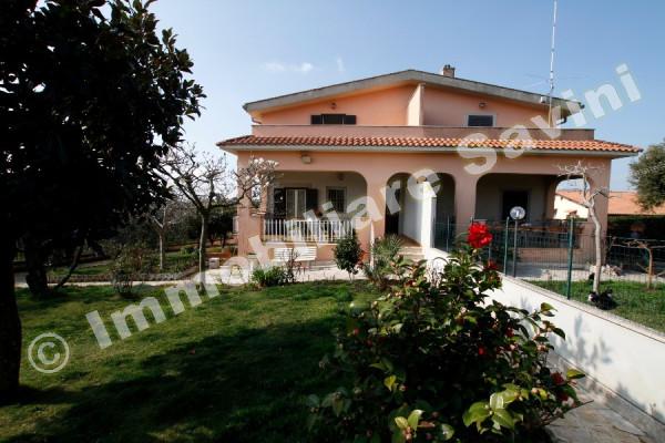 Villa in vendita a Genzano di Roma, 5 locali, prezzo € 280.000 | CambioCasa.it