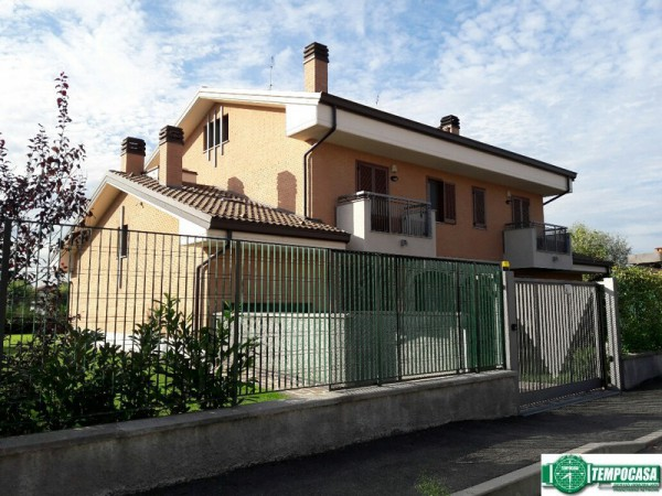 Villa a Schiera in vendita a Cervignano d'Adda, 4 locali, prezzo € 265.000   Cambio Casa.it
