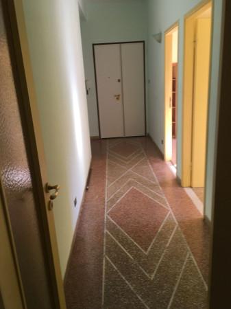 Appartamento in vendita a Livorno, 6 locali, prezzo € 250.000 | CambioCasa.it