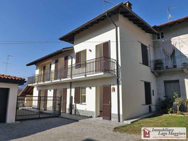 Villa in affitto a Ranco, 4 locali, prezzo € 1.000 | Cambio Casa.it