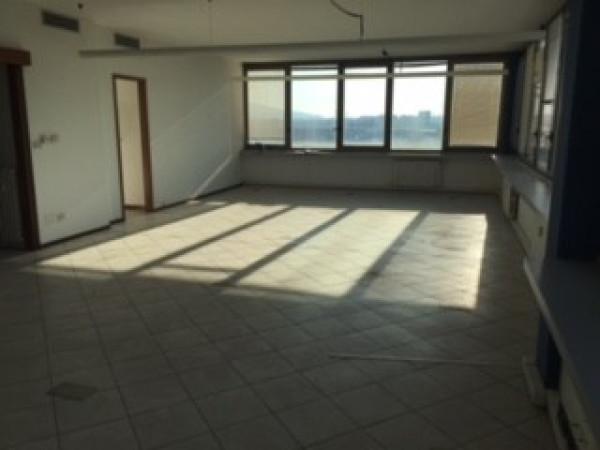 Ufficio-studio in Affitto a San Mauro Torinese Periferia: 5 locali, 220 mq