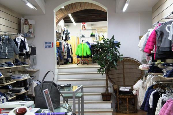 Negozio / Locale in vendita a Spoleto, 1 locali, prezzo € 200.000 | Cambio Casa.it