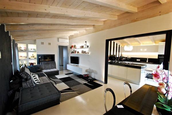 Attico / Mansarda in vendita a Triuggio, 4 locali, prezzo € 250.000 | Cambio Casa.it