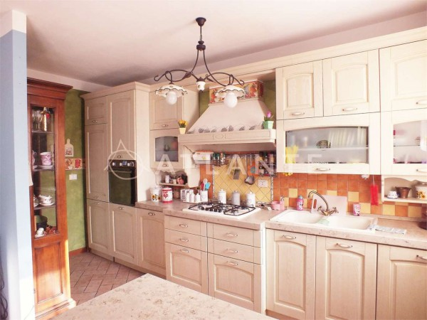 Appartamento in vendita a Porto Mantovano, 4 locali, prezzo € 135.000 | Cambio Casa.it