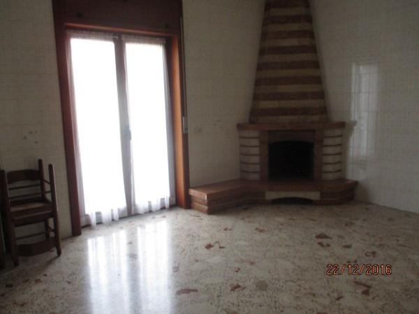 Villa in vendita a Montoro, 6 locali, prezzo € 240.000 | Cambio Casa.it