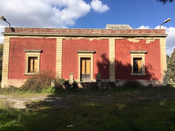 Villa in Vendita a Lecce Periferia Ovest: 5 locali, 200 mq